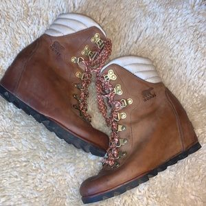 Sorel Conquest Wedge Waterproof leather boots
